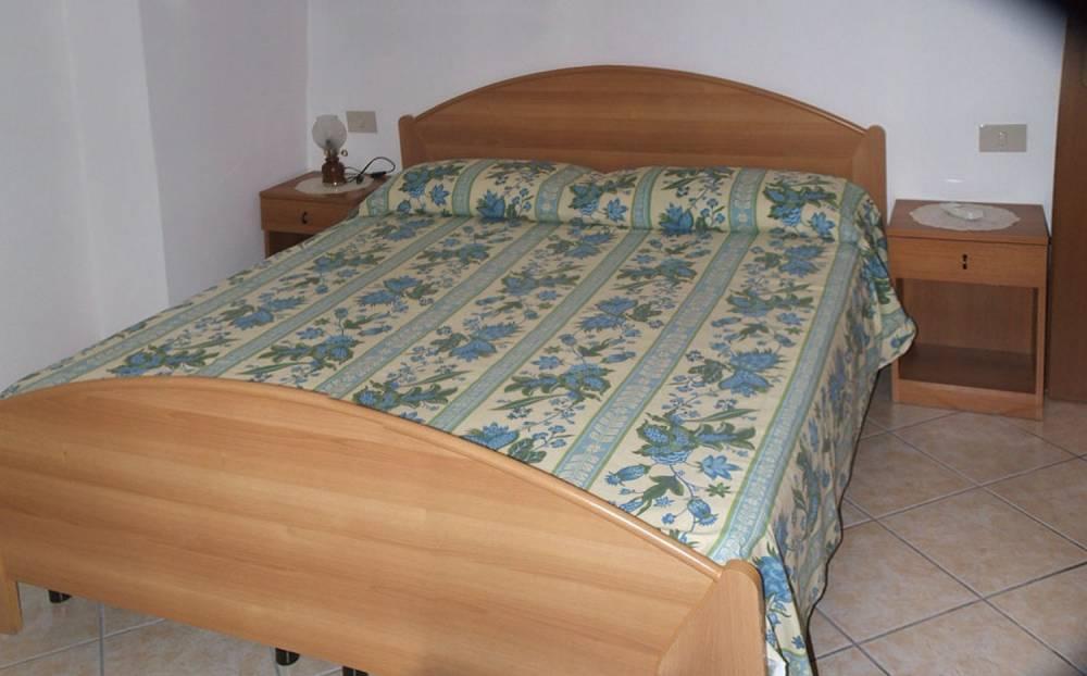 Agenzia immobiliare di vendita case terreni negozi in for Case kit 1 camera da letto