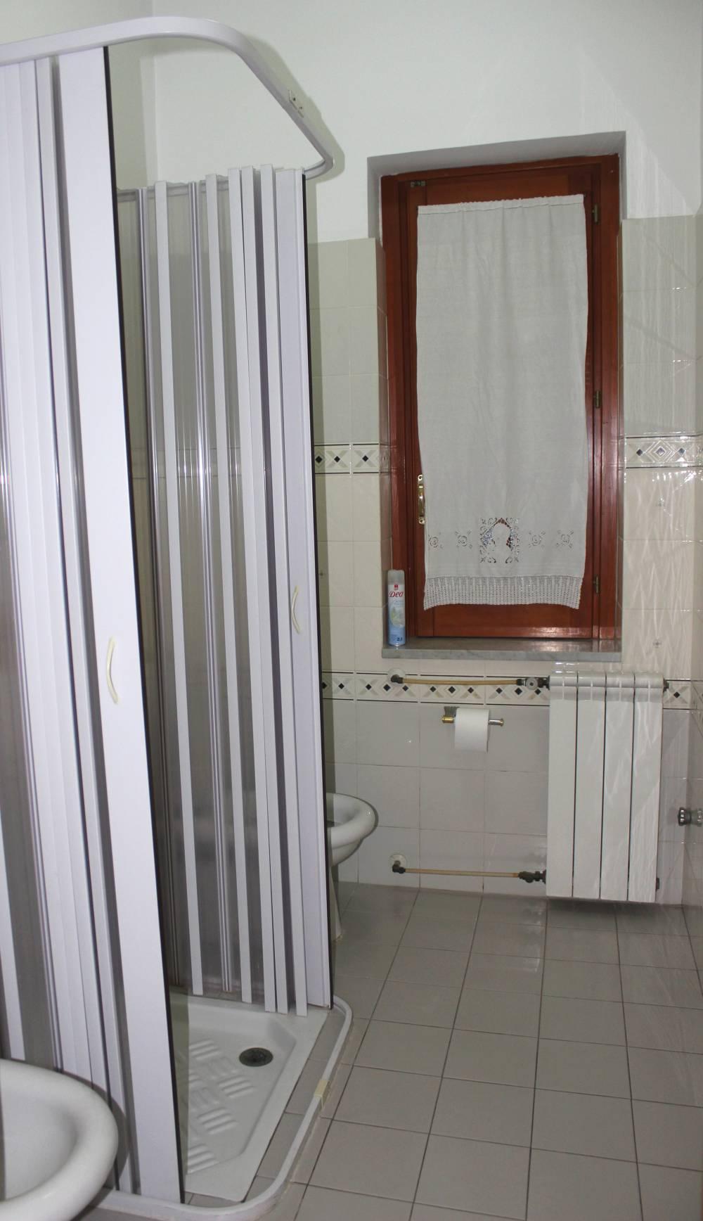 Economico monolocale per vacanze a capo d orlando sicilia cd82 - Documenti per ristrutturazione bagno ...