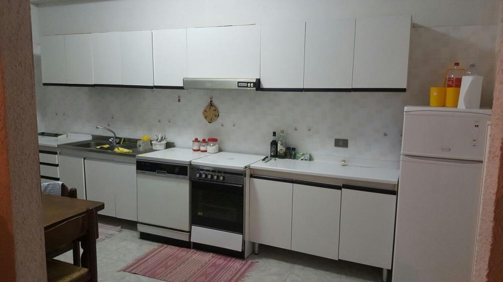 Cucina della casa singola in vendita a Capri Leone (Sicilia)