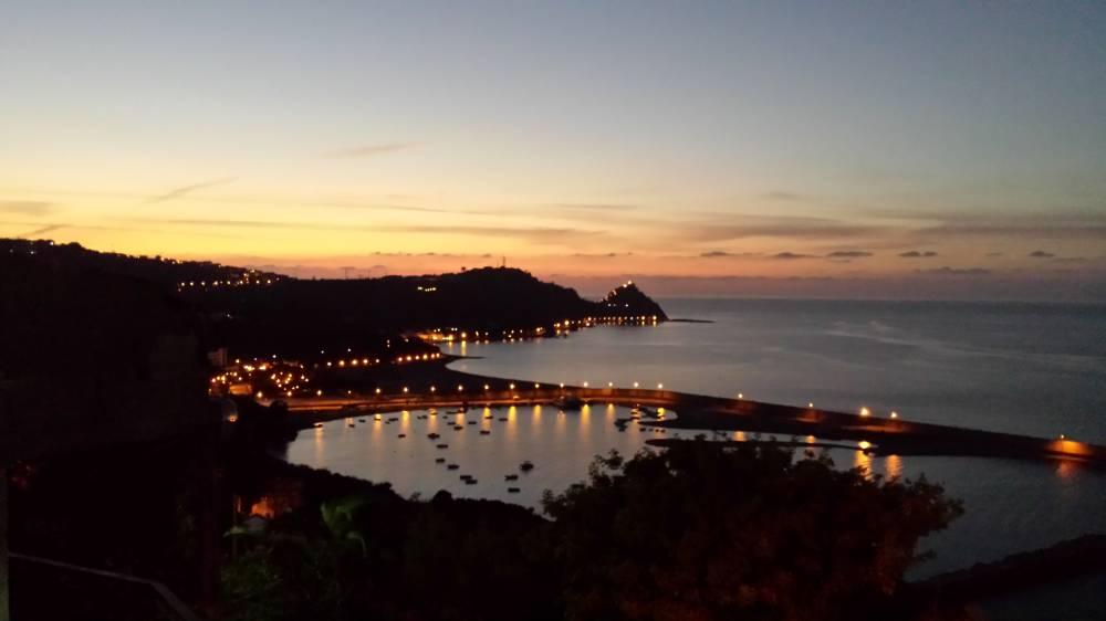 Vista al tramonto dal terrazzo - casa vacanza a Capo d'Orlando A35G