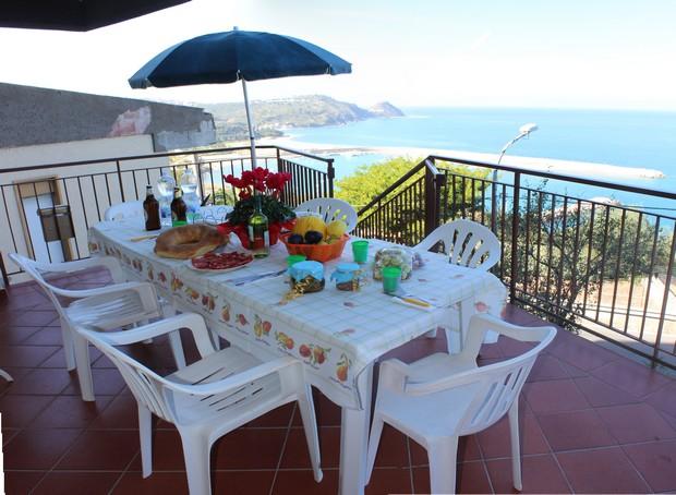 Casa Vacanza con incantevole vista mare. Rif. A35G