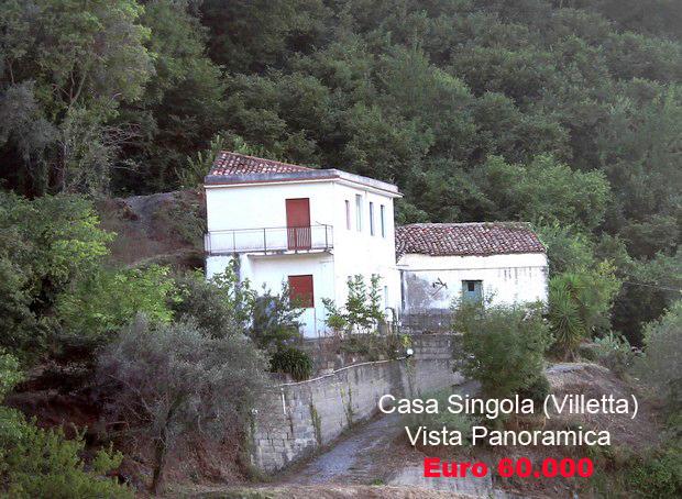 Casa indipendente con bella vista panoramica a Capri Leone (Sicilia)