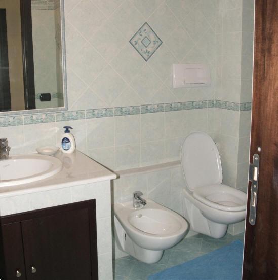 Bagno con doccia - casa vacanza in vendita a Capo d'Orlando CD09VF