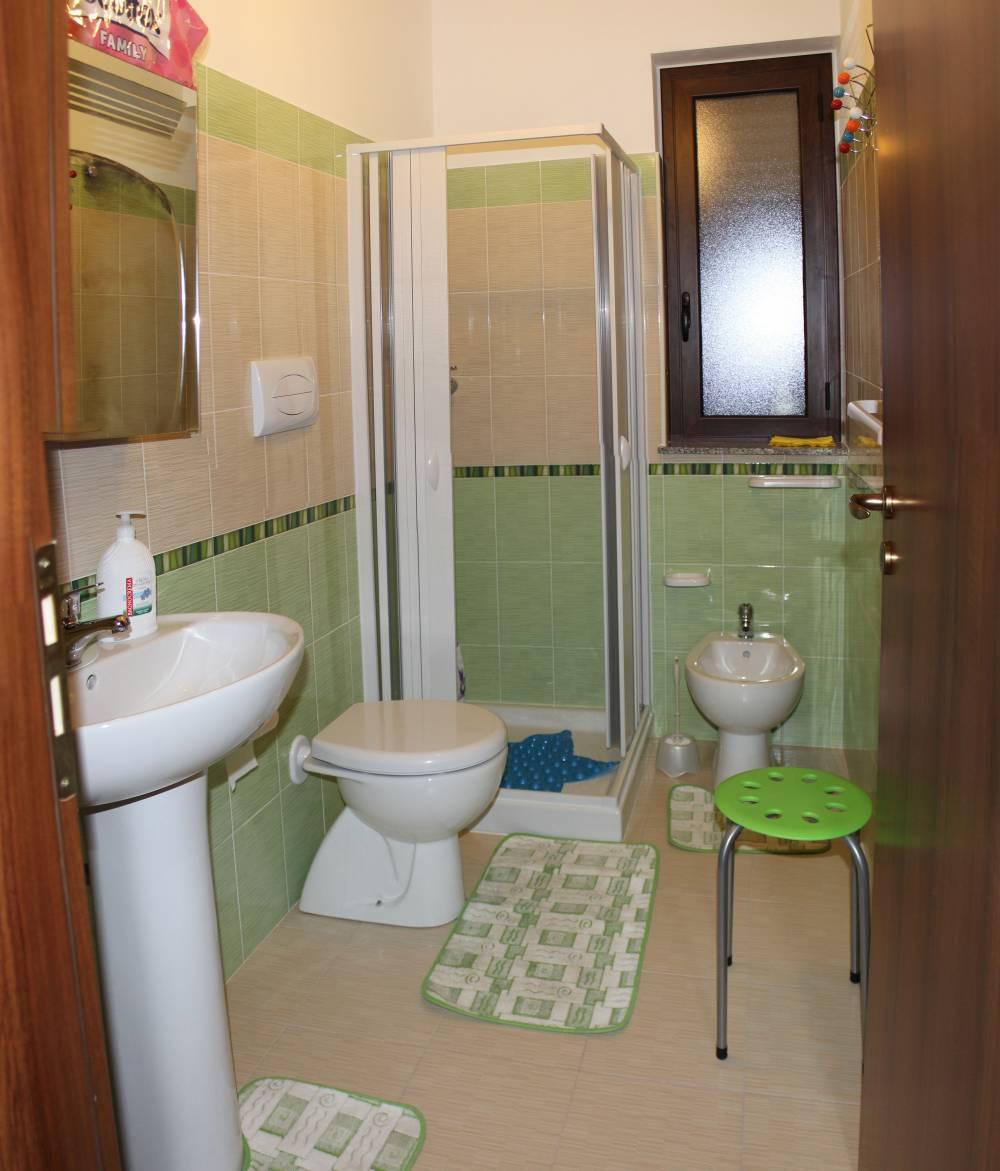 Bagno con doccia - casa vacanza in vendita a Capo d'Orlando CD14VF