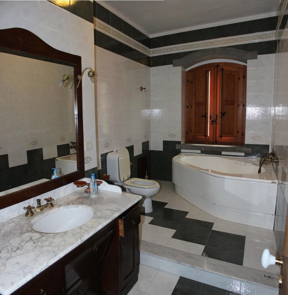 Foto n. 1 del bagno principale