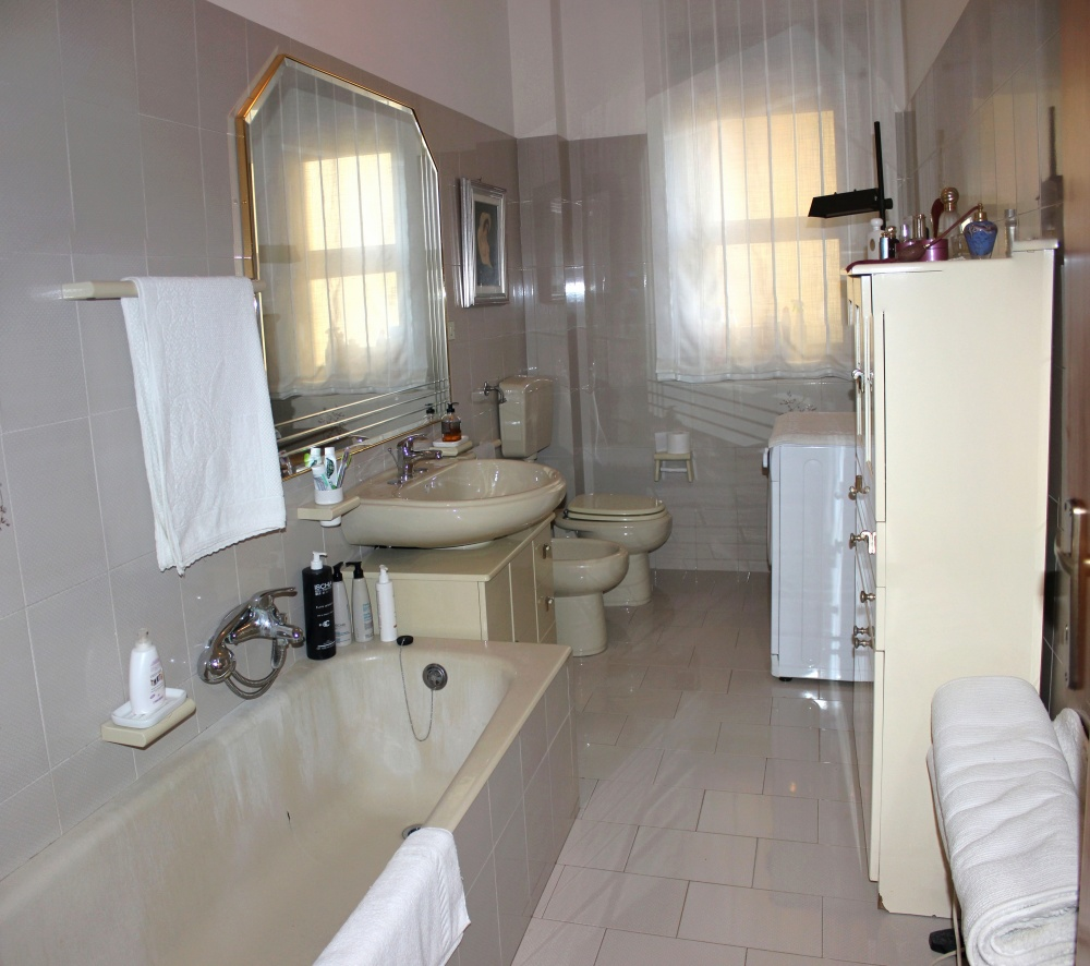 Bagno casa vendita Rocca di Capri Leone RC71VF