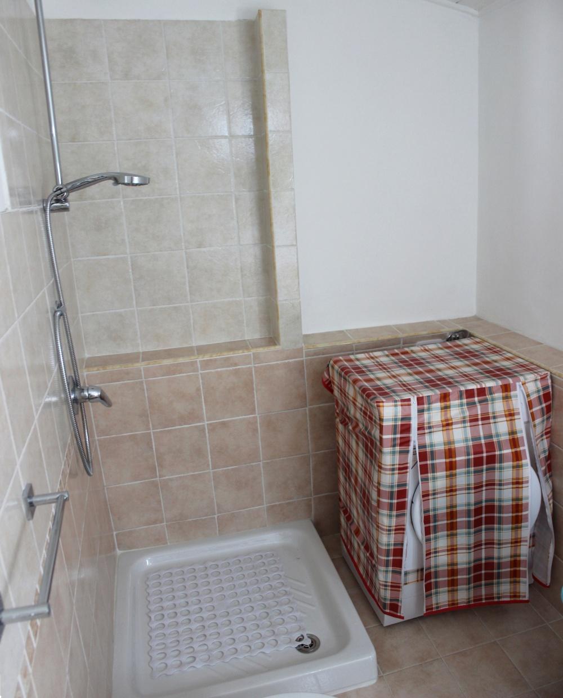 Foto n. 2 del Bagno principale appartamento in vendita a Rocca di Capri Leone vicino piazza Mattarella