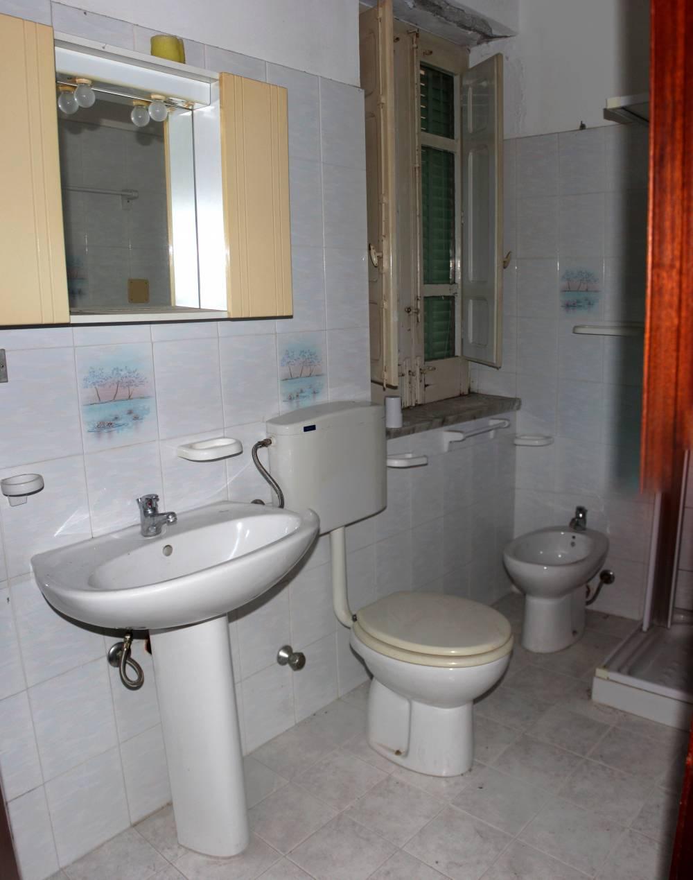Bagno casa da ristrutturare in vendita a San Marco d'Alunzio - Sicilia