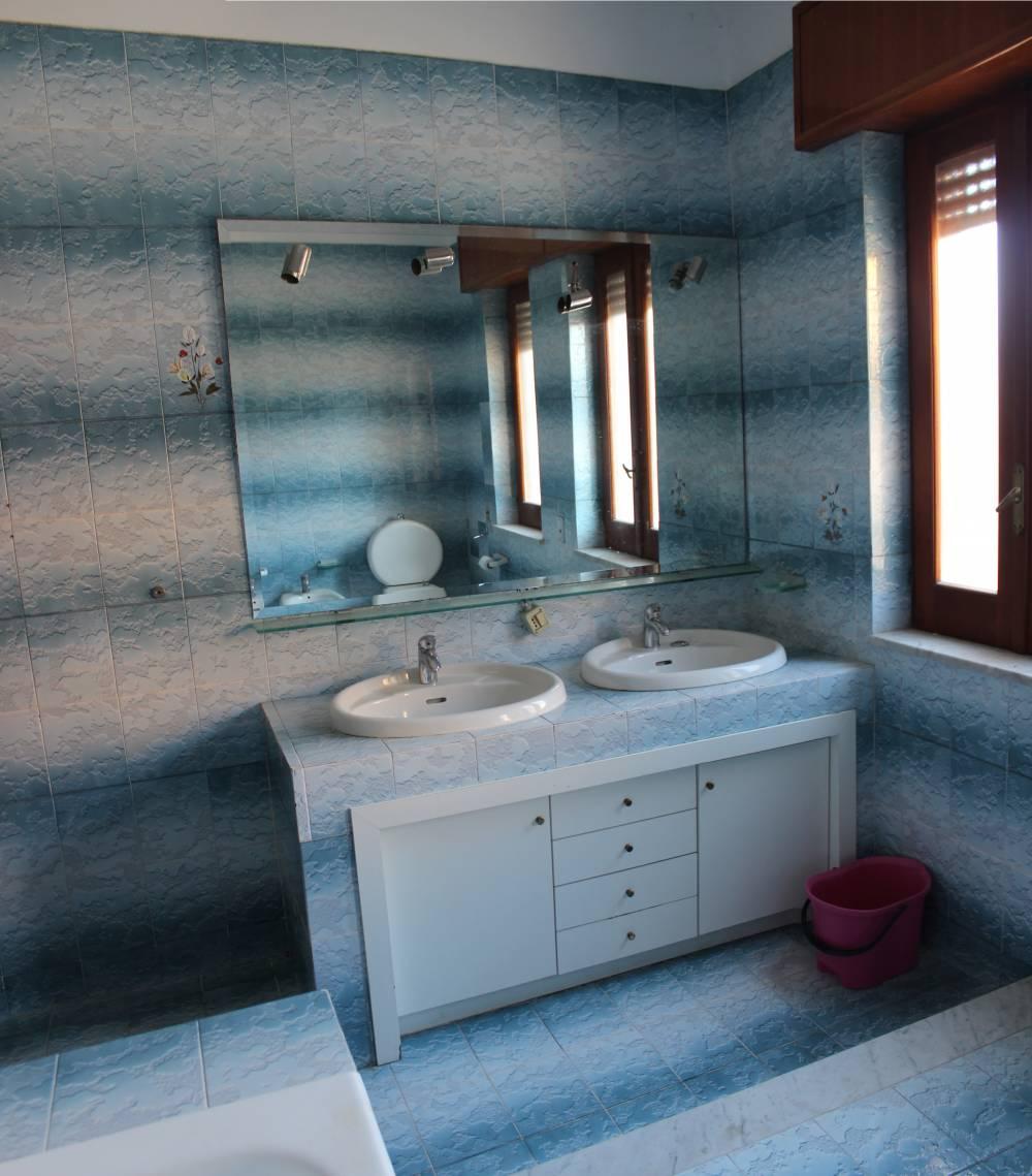 Foto 2 del bagno abitazione in vendita a Rocca di Caprileone