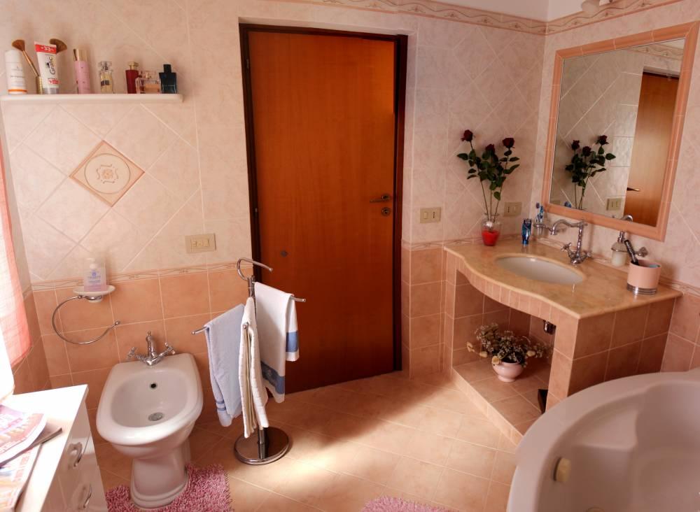 Foto n. 2 del bagno - Casa singola in vendita a Capo d'Orlando CD20VF