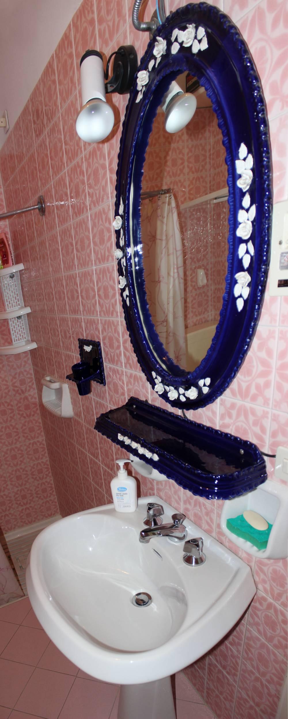 Toto n. 2 del bagno