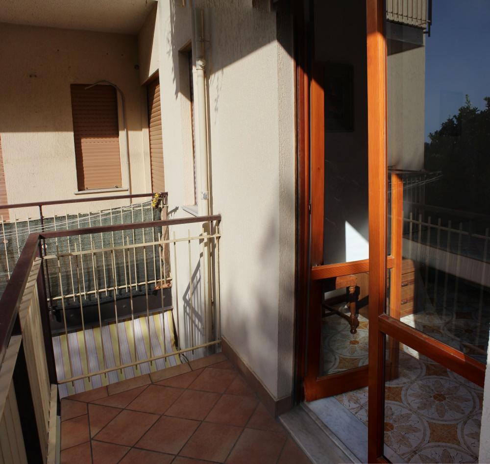 Foto 2 del balcone casa in vendita a Rocca di Capri Leone di fronte Irritec