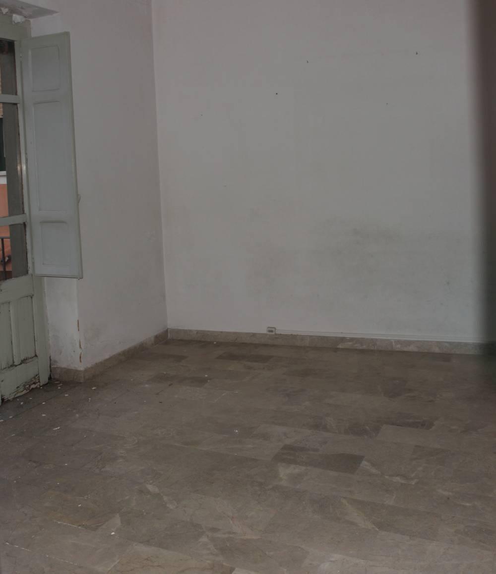 Foto 2 della camera ingresso casa da ristrutturare in vendita a San Marco d'Alunzio - Sicilia