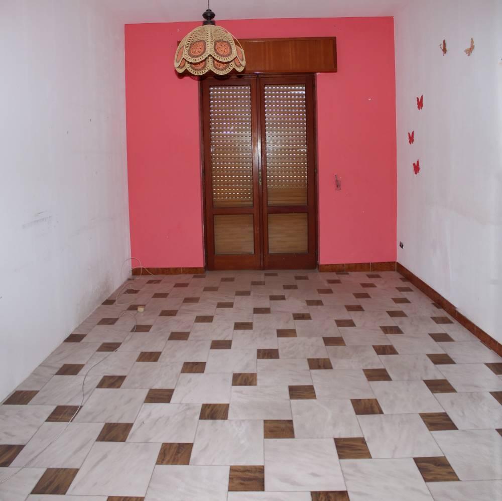 Camera 1 abitazione in vendita a Rocca di Caprileone