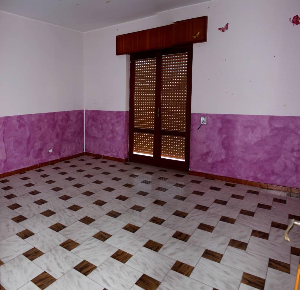 Camera 2 abitazione in vendita a Rocca di Caprileone