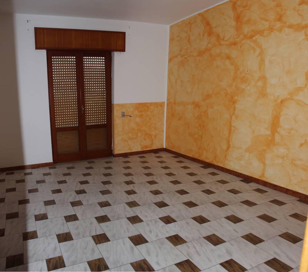 Camera 3 abitazione in vendita a Rocca di Caprileone