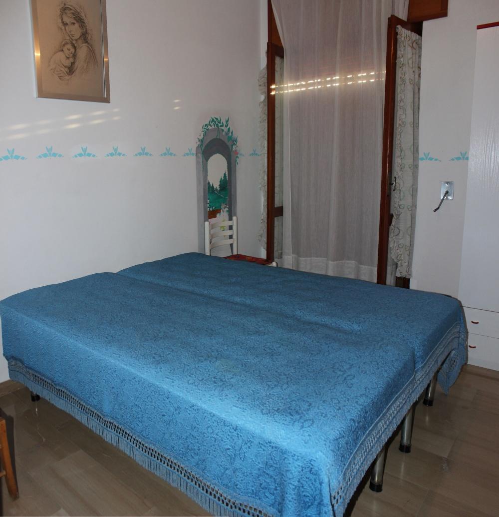 Camera da letto Abitazione + magazzino + cantina a Capri Leone frazione Rocca - Sicilia