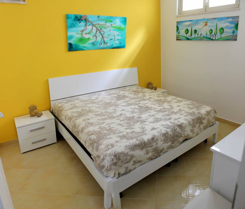 Nuova abitazione pitturata con colori pastello capo d for Nuova camera da letto dell inghilterra