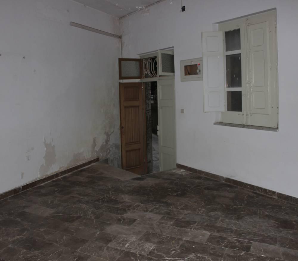 Camera ingresso casa da ristrutturare in vendita a San Marco d'Alunzio - Sicilia