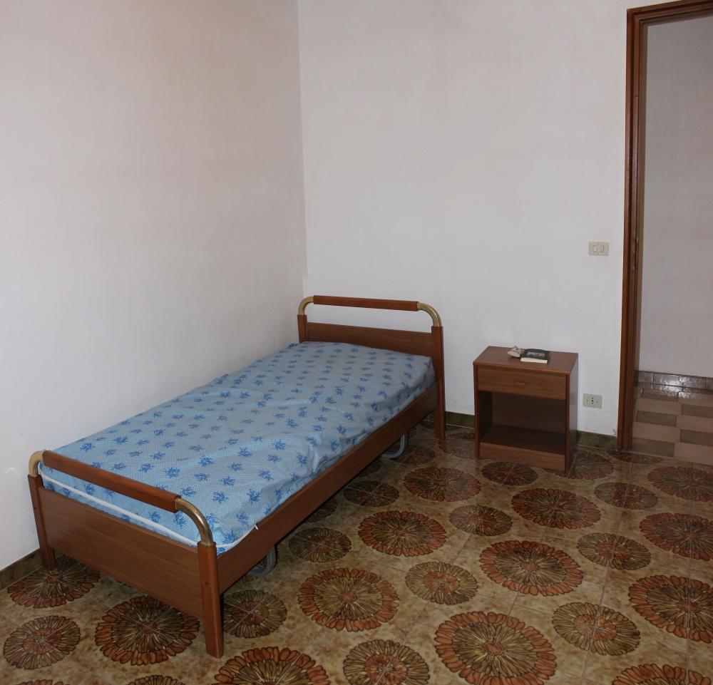 Cameretta appartamento + magazzino a Rocca di Capri Leone