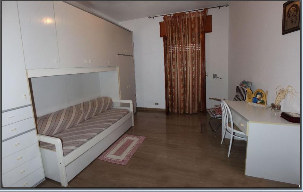 Cameretta abitazione + magazzino + cantina a Capri Leone frazione Rocca - Sicilia