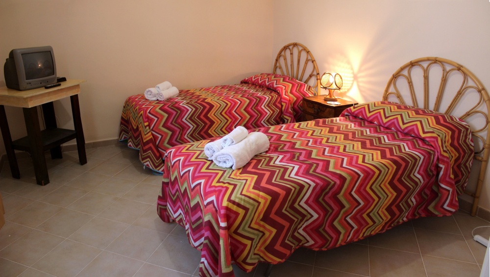 Cameretta della casa vacanza di Rocca di Capri Leone RC54