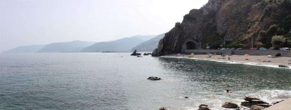 Foto 3 Spiaggia di San Gregorio - Casa Vacanza RC55 a Rocca di Capri Leone