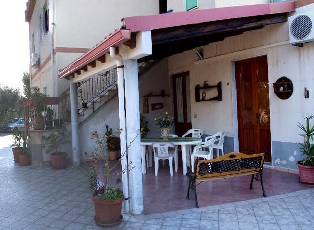 Casa vacanza a Capo d´orlando. Zona rilassante. Mare a 4 Km. Rif. CD46