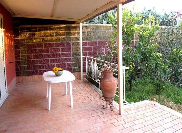 Casa vacanza con terrazzo e mare a 50 metri a Capo d´Orlando. Rif. CD65