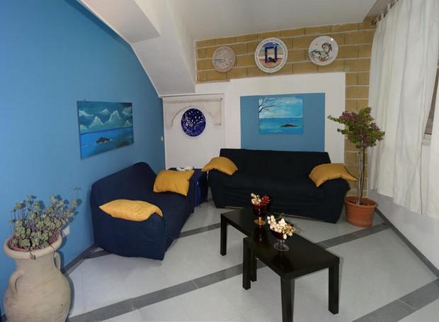 Raffinata casa vacanza a 50 metri dal mare a Capo d´Orlando. Rif. CD79
