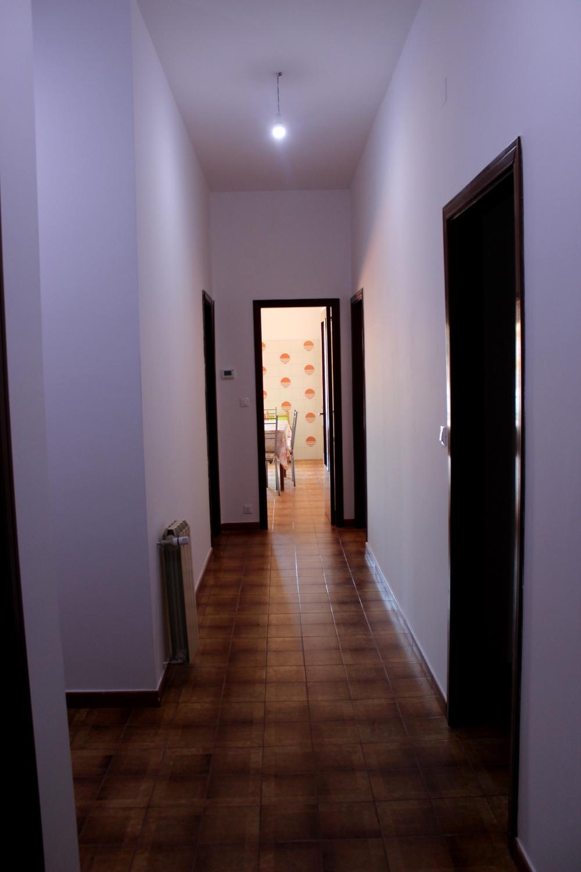 Disimpegno appartamento in vendita a Rocca di Capri Leone vicino piazza Mattarella