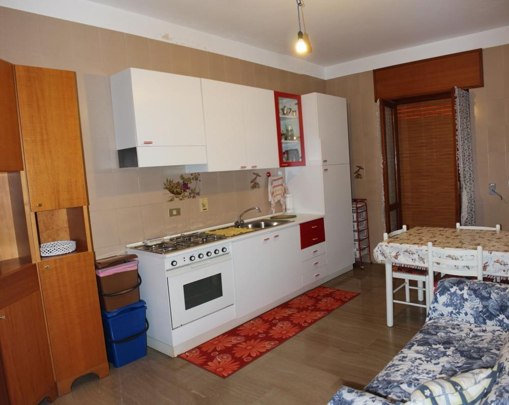 Cucina abitabile abitazione + magazzino + cantina a Capri Leone frazione Rocca - Sicilia