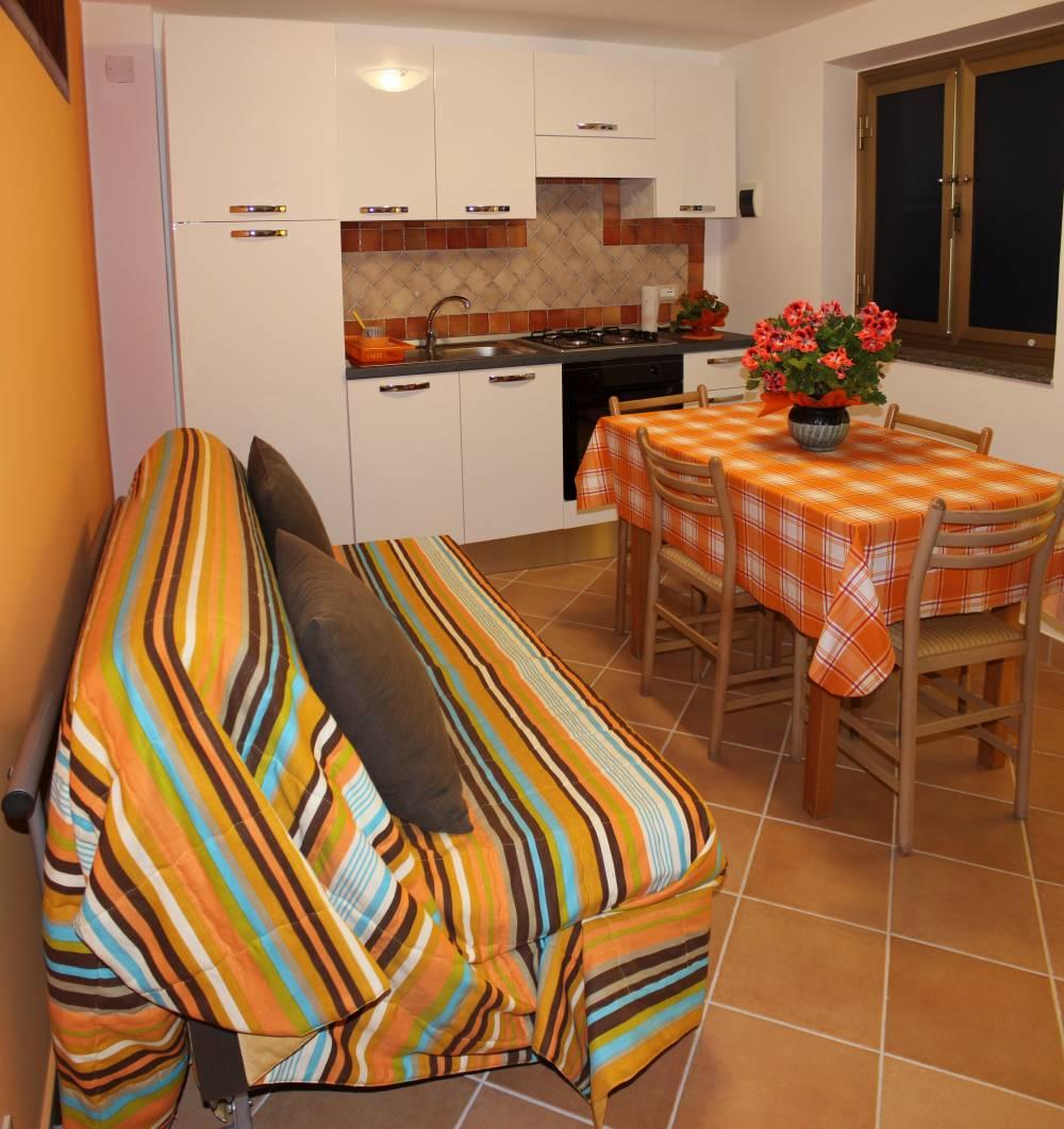 Soggiorno cucina - casa vacanza a Capo d'Orlando A35G