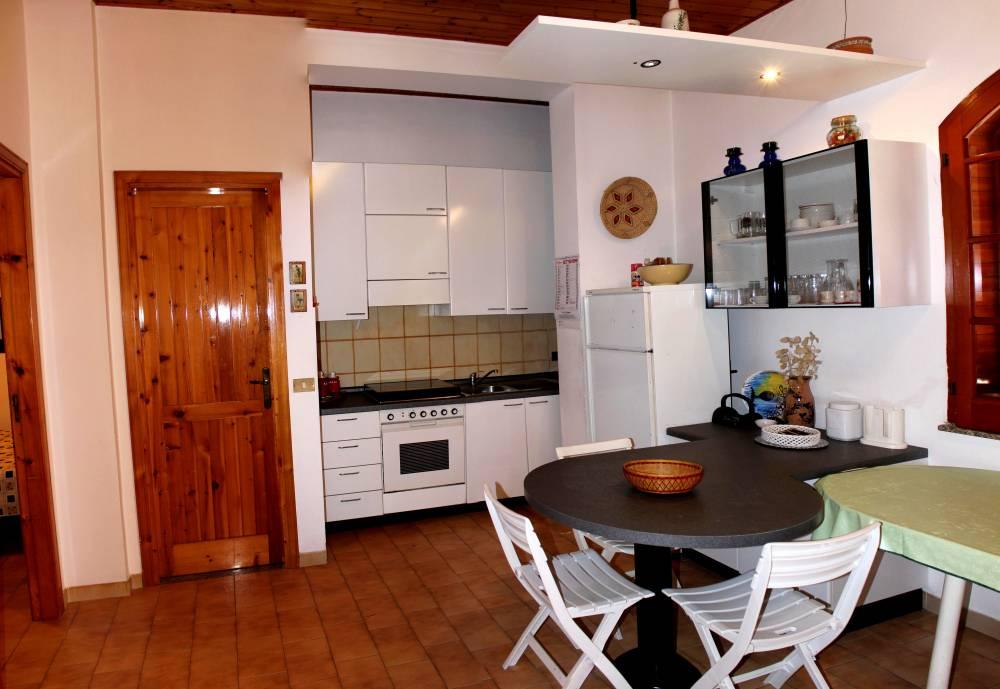 Cucina abitazione in vendita a marina di Caronia residence Torre del Lauro