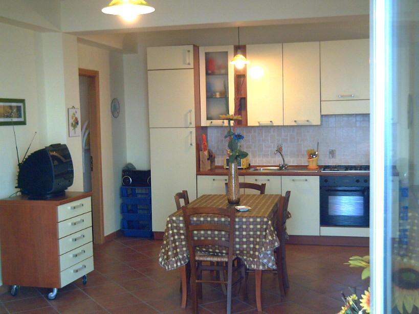 Soggiorno cucina abitazione in vendita a Gliaca di Piraino