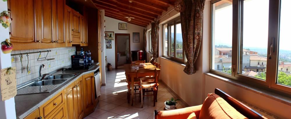 Foto 2 della Cucina con veduta sul mare - Casa singola in vendita a Capo d'Orlando CD20VF