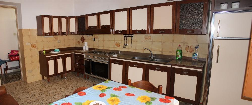 Cucina Abitabile mini appartamento in vendita a Rocca di Capri Leone - Sicilia
