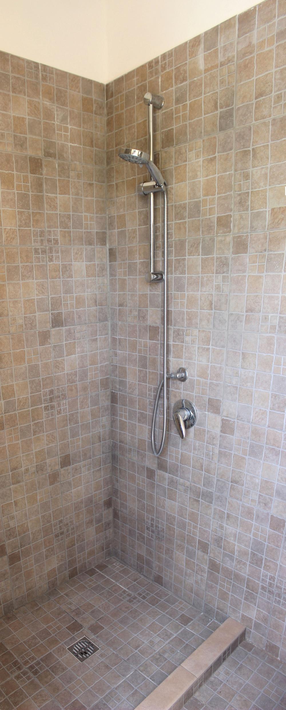 La doccia con ingresso da terrazzo