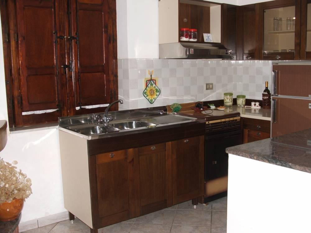 Foto 1 del soggiorno cucina