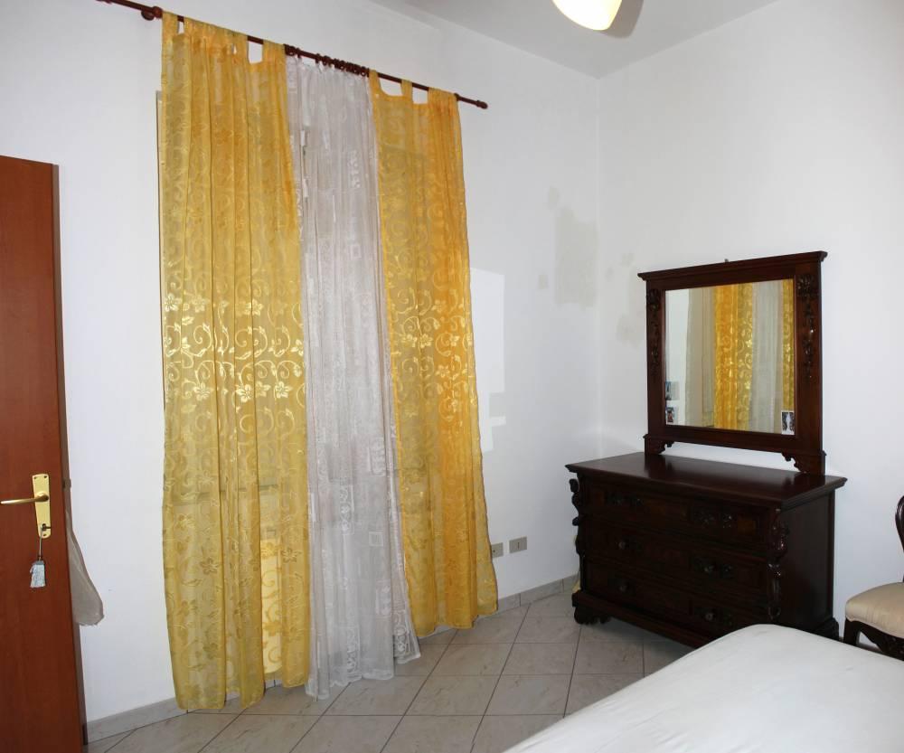 Foto n. 2 della camera da letto matrimoniale