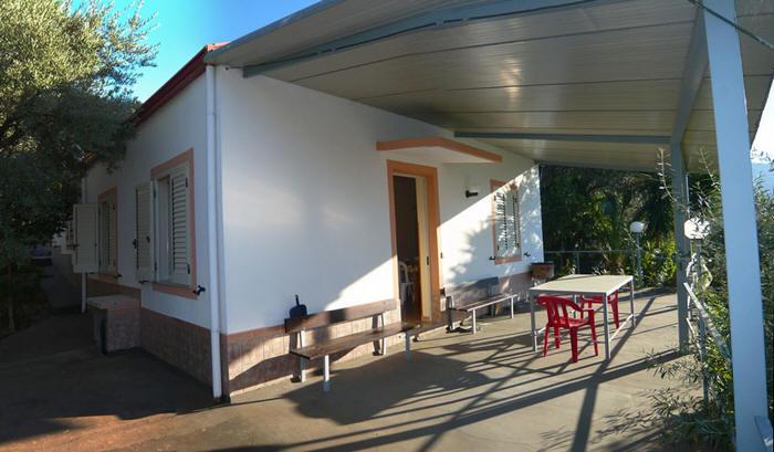 Esterno della villetta in vendita nelle periferie di San Salvatore di Fitalia