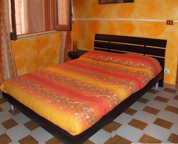 Camera da letto matrimoniale n. 1 abitazione in vendita a Capo d'Orlando - Sicilia