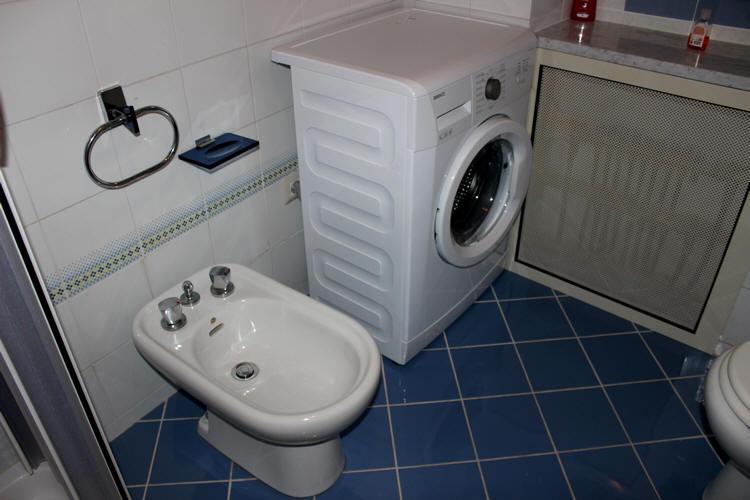 Bidet e lavatrice