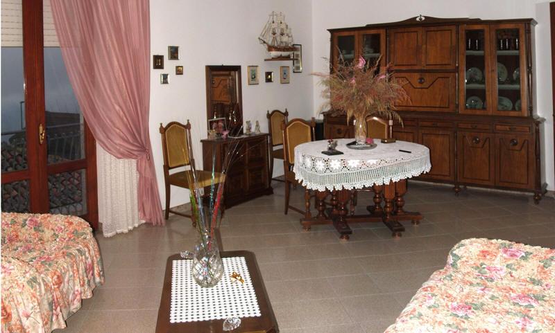 Soggiorno dell'abitazione in vendita a Capri Leone (zona storica) - Sicilia