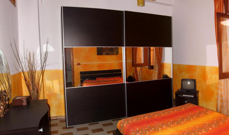 Armadio in camera da letto n. 1 abitazione in vendita a Capo d'Orlando - Sicilia