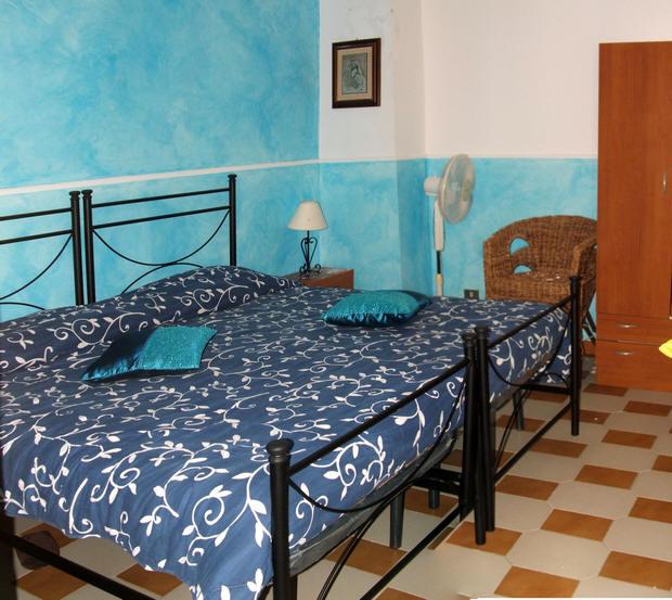 Camera da letto matrimoniale n. 2 abitazione in vendita a Capo d'Orlando - Sicilia