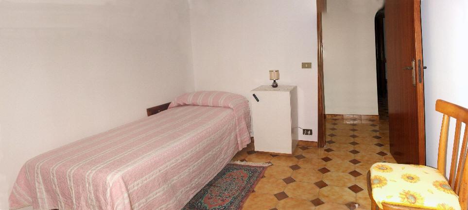 Altro lettino in camera da letto separata