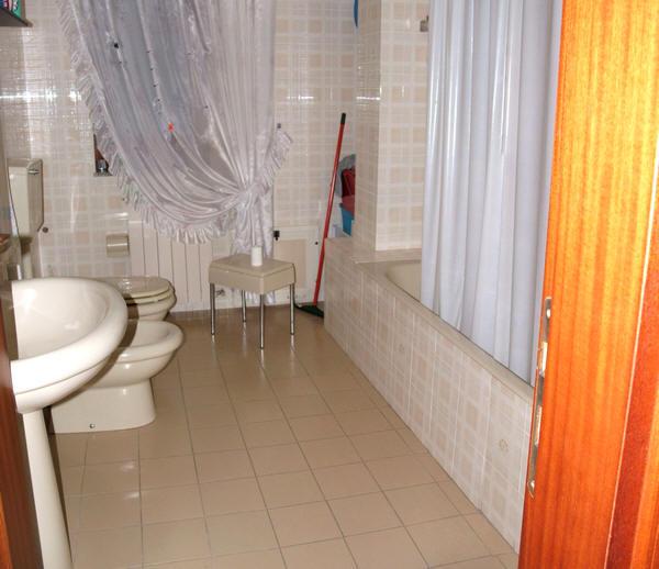Bagno dell'abitazione in vendita a Capri Leone (zona storica) - Sicilia