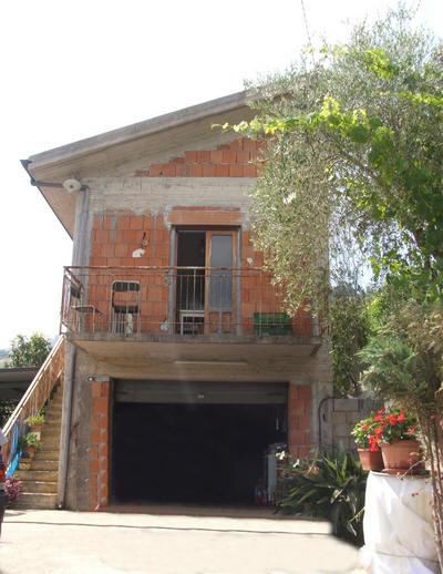 Vendita casa singola indipendente con terreno in sicilia - Facciata esterna casa ...
