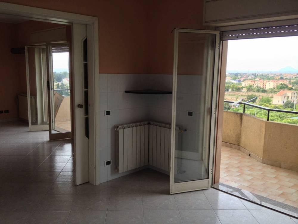 Camera con terrazzo dell'abitazione in vendita a Capo d'Orlando - Sicilia